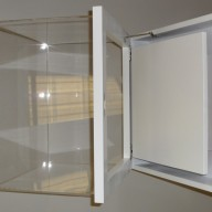 Locking display cases 02